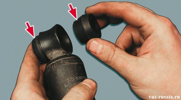 Извлечение наружной и внутренней втулки нижнего шарнира
