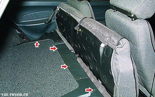 Для наглядности стрелками указаны некоторые винты, которые крепят три облицовки к спинке сиденья, но винты указаны как уже было сказано не все, в общей сложности их где то штук 15-20