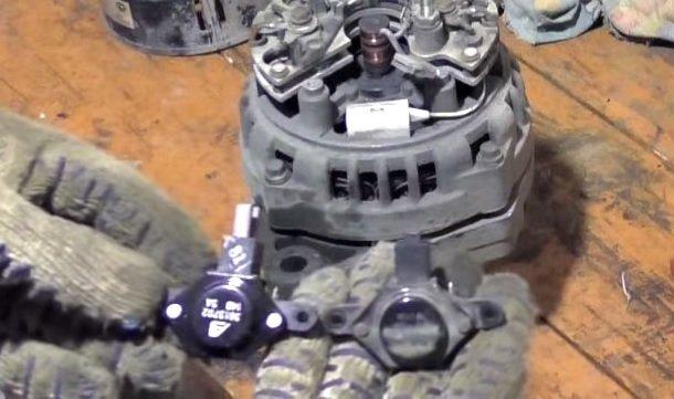 Замена регулятора напряжения генератора на ВАЗ