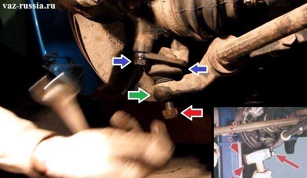 Снятие шаровой опоры с рычага и с поворотного кулака