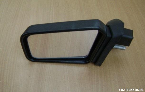 Фото бокового зеркала заднего вида