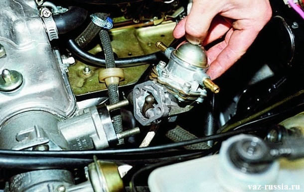 Снятие насоса с двигателя автомобиля