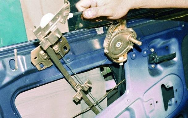 Замена стеклоподъемника на ВАЗ