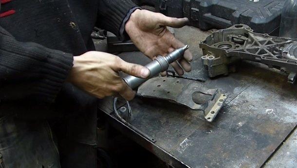 Как пользоваться ударной отверткой? А какие виды ударных отвёрток бывают? А сколько стоит ударная отвёртка? А для чего она предназначена?
