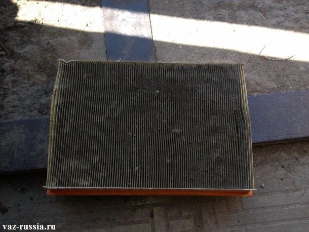 Загрязнённый фильтр который подлежит замене