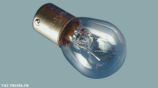 На фото изображена лампа которая подлежит установки в противотуманный фонарь
