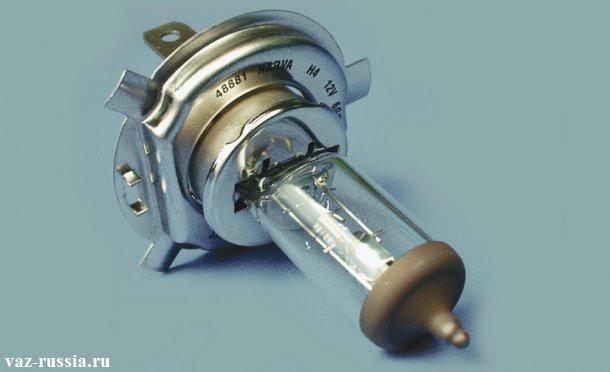 На фото изображена лампа которая подлежит установки в наружные фары