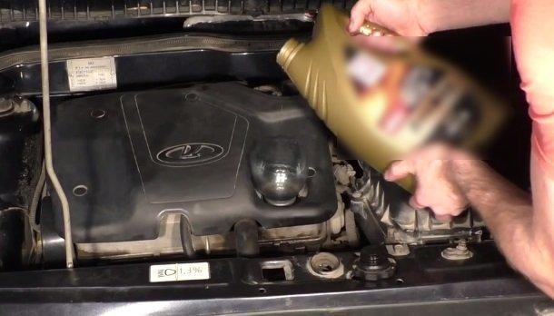 Замена масла в двигателе на ВАЗ