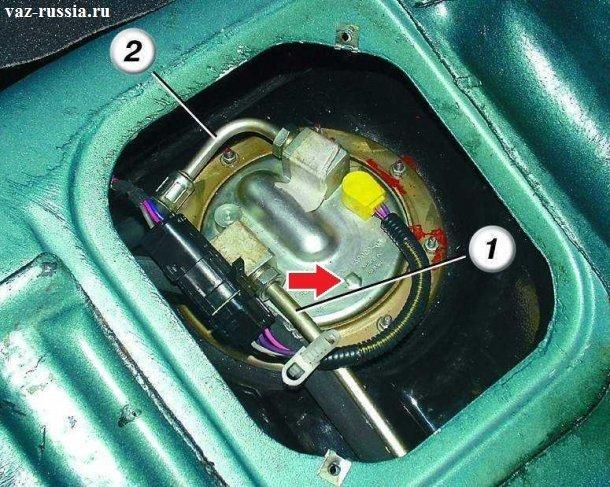 На фотографии показано как должен правильно быть установлен насос на 8 клапанных автомобилях