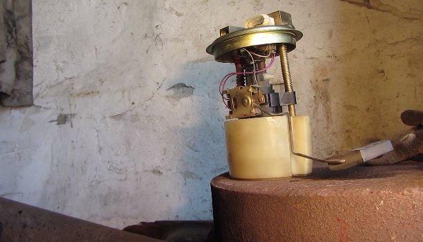 Замена датчика уровня топлива и его проверка на ВАЗ