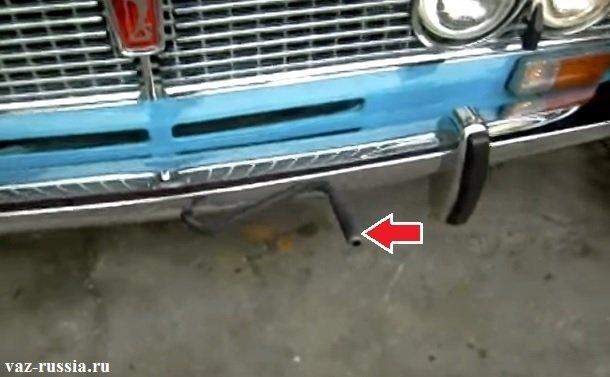 Кривой стартер показан красной стрелкой