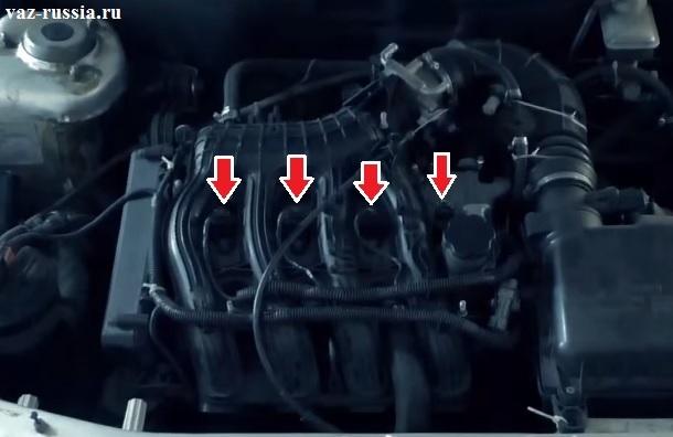Стрелками показаны все четыре модуля зажигания