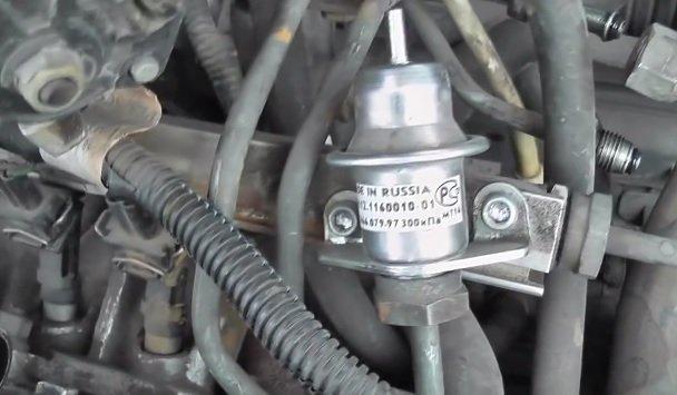 Замена регулятора давления топлива на ВАЗ
