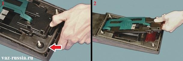 Отсоединение ламподержателя от корпуса заднего фонаря и снятие ещё в добавок уплотнительного кольца