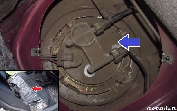 Местонахождение бензонасоса в автомобиле и люк под которым он находится