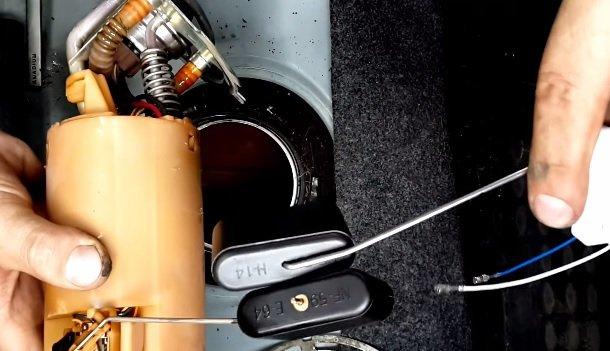 Замена датчика уровня топлива на ВАЗ