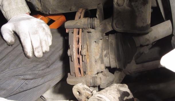 Замена рабочего (Переднего) тормозного цилиндра на ВАЗ