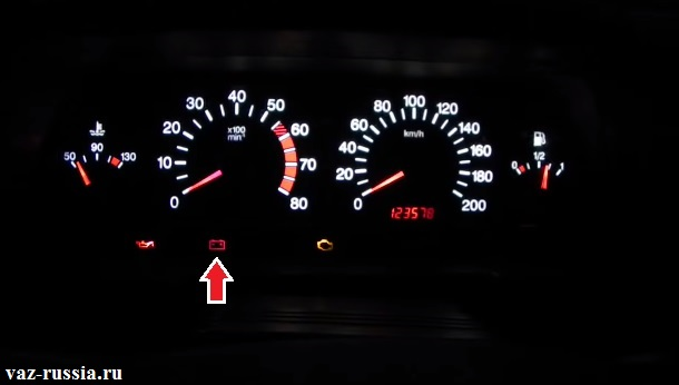 Лампа заряда АКБ которая обязательно должна будет погаснуть когда автомобиль заведётся