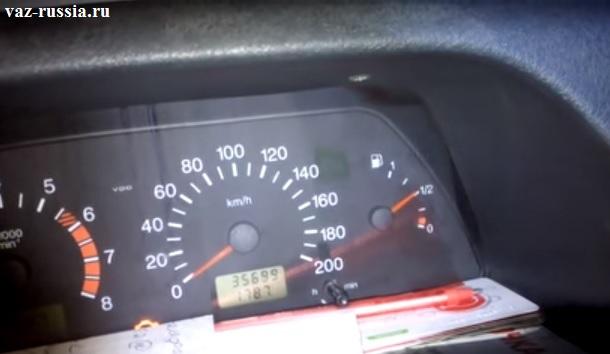 Стрелка уровня топлива на автомобиле семейства Самара 2