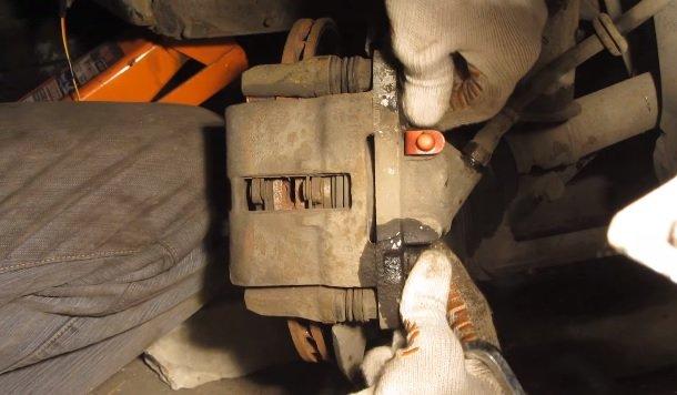 Замена переднего тормозного цилиндра на ВАЗ
