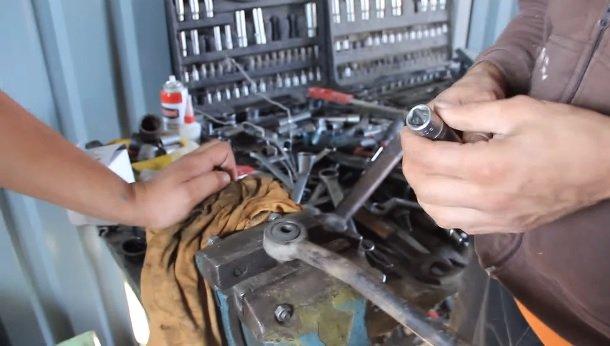 Замена сайлентблоков в рулевой тяге на ВАЗ