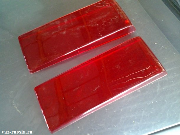 Спец. красные накладки для задних фар автомобилей ВАЗ 21099