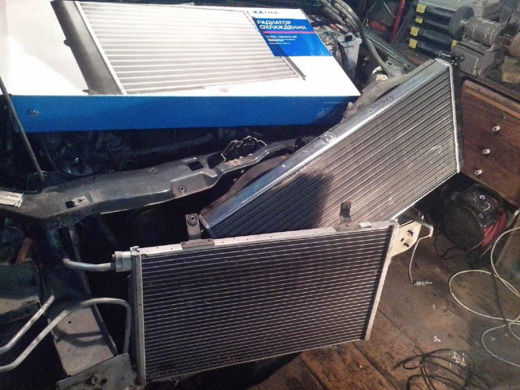 Радиатор от Нивы в разборе