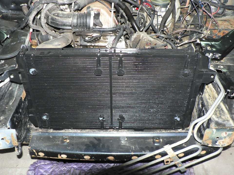 Радиатор в проводах